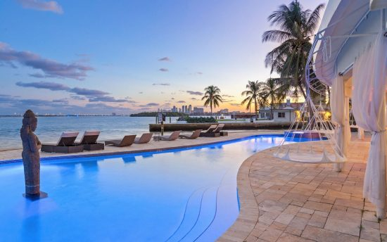 Villa Casa Blu luxury vacation rental villa in Miami | Nomade Villa Collection