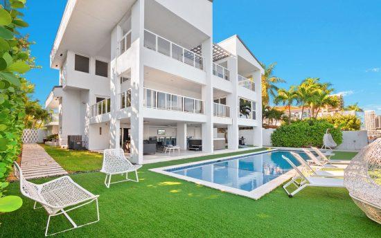Villa Placida luxury waterfront villa rental in Miami | Nomade Villa Collection