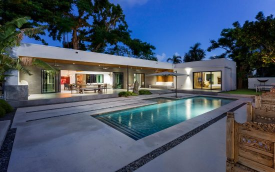 Villa Ubud - Luxury Villa Rental in Miami - Exterior Pool at Night