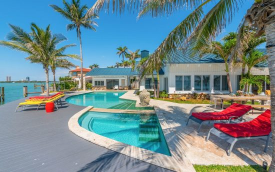 Villa Vista Luxury Vacation Rental in Miami | Nomade Villa Collection